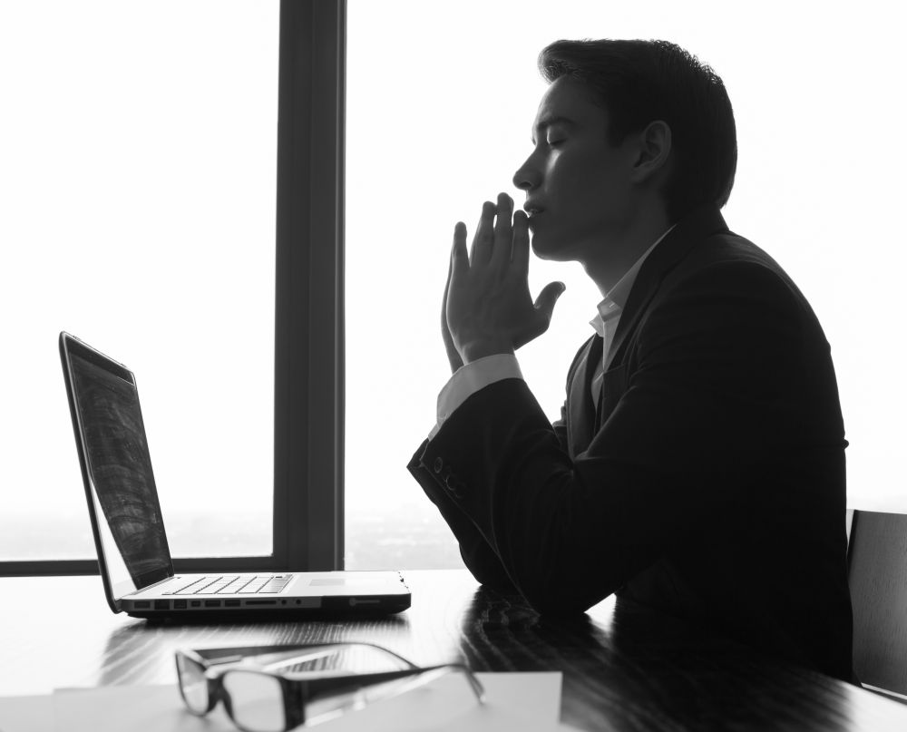 Waarom zou je onderscheid maken tussen werken in Gods koninkrijk bij een christelijke organisatie of een kerk en een 'normale' baan? Gods koninkrijk raakt net zo goed die normale baan. (beeld KieferPix/Shutterstock)