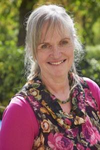 Jeannette Westerkamp: 'Het zou wenselijk zijn datcommunitygevoel van buitenkerkelijke evenementen te integreren in de eigen gemeente.' (beeld Jaco Klamer)