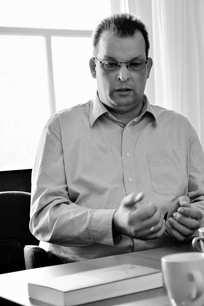 Marc ten Brinke: 'We kunnen als christenen ten strijde trekken tegen de transgenderideologie, maar het risico is dat je in die oorlog burgerslachtoffers maakt.' (beeld Arie Kok)