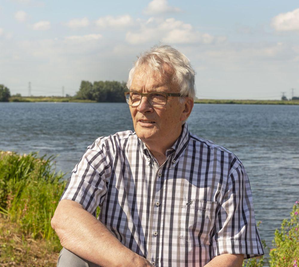 Arie van der Veer: 'Ik heb moeten leren naar het leven te kijken als een bestaan met seizoenen. Voor mij is het nu herfst.' (beeld Hans van Sloten)