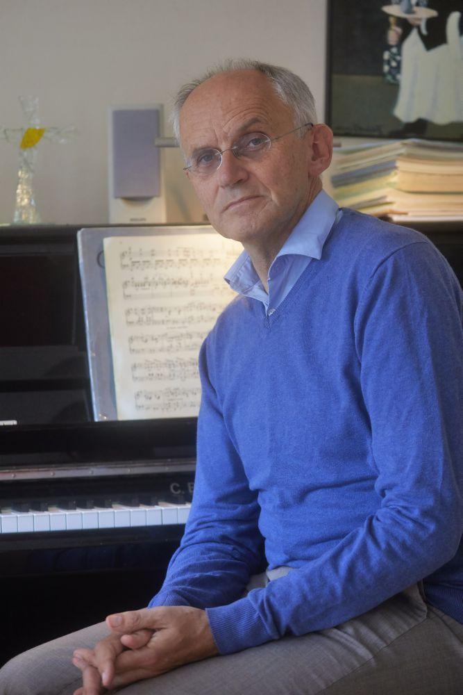 Theo Boer: 'Weet je, een van de bijzondere dingen van muziek maken is dat je levenslang kunt blijven bijleren.' (beeld Jaco Klamer)