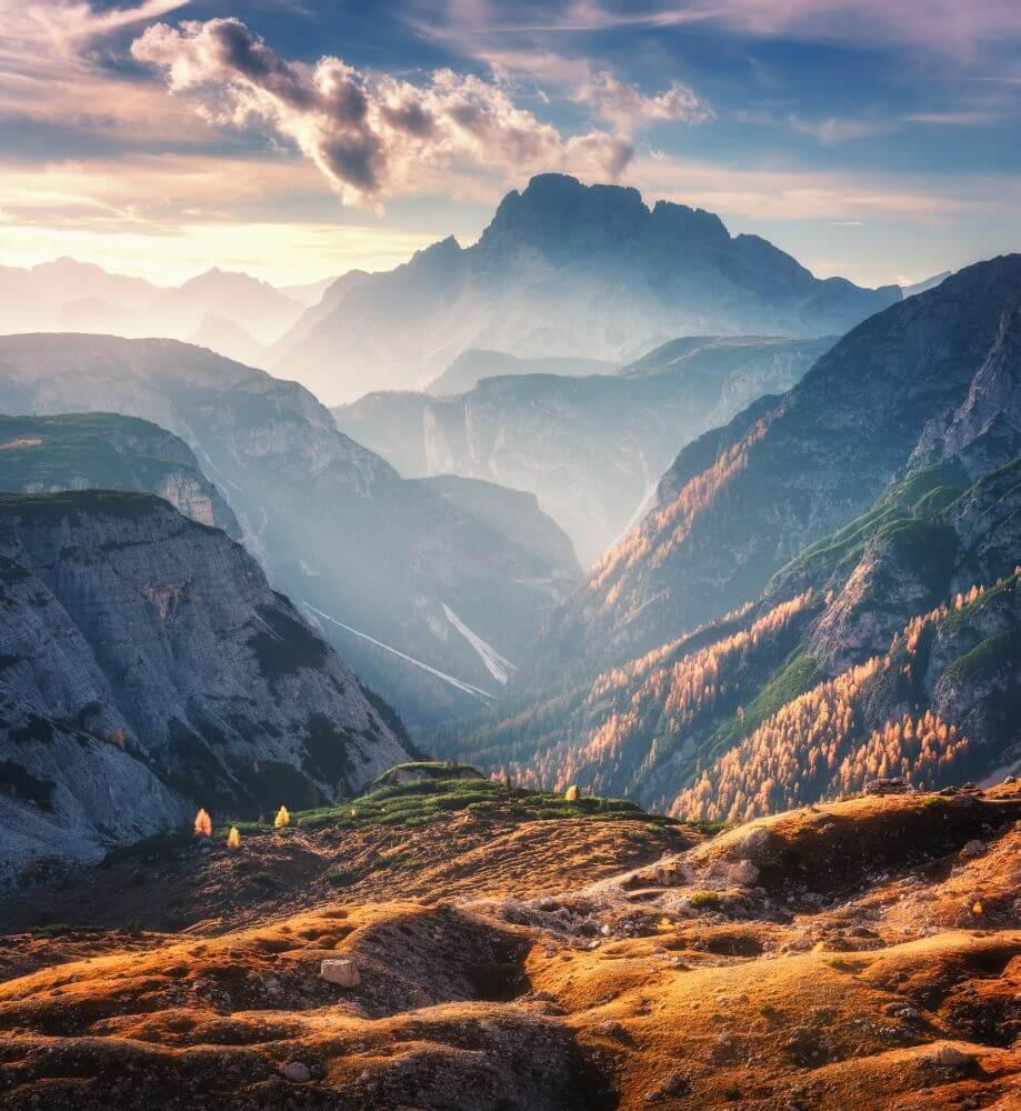 God van bergen en dalen